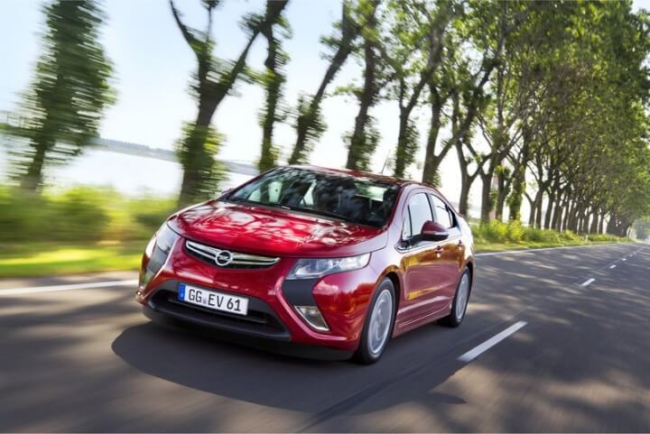 Red Opel Ampera