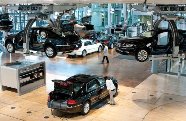 Volkswagen Phaeton Factory in Dresden, Germany