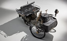 Steam-driven 1884 De Dion Bouton et Trepardoux Dos-a-Dos Steam Runabout