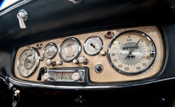 Instrument panel of a 1939 Mercedes Benz 540 K Special Roadster