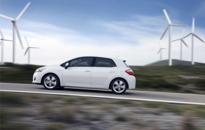 Toyota Auris Hybrid - Best-Selling Hybrid Car in Germany in 2011