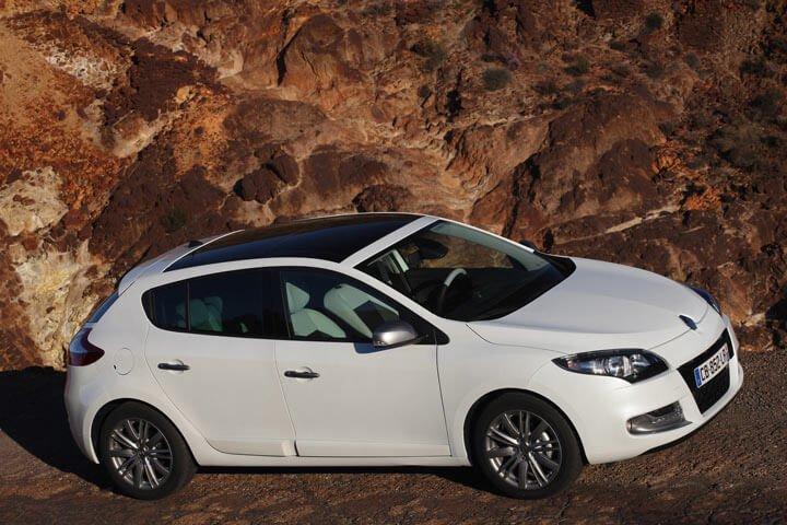 White Renault Megane 2012