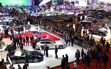 Crowds at the Ferrari at the 2013 Geneva Auto Salon