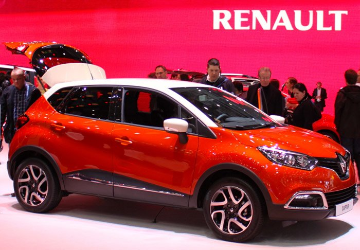 Renault Captur at the Geneva Auto Salon 2013