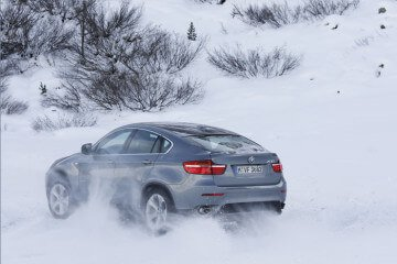 BMW X6 in the Snow