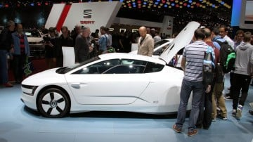 White VW XL1