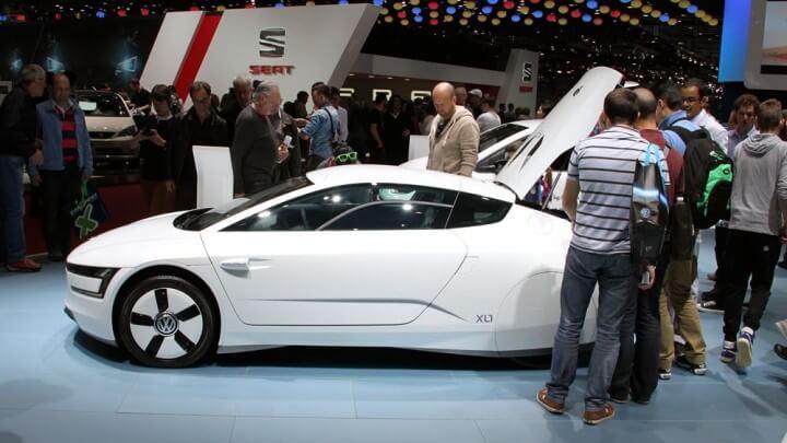 White VW XL1