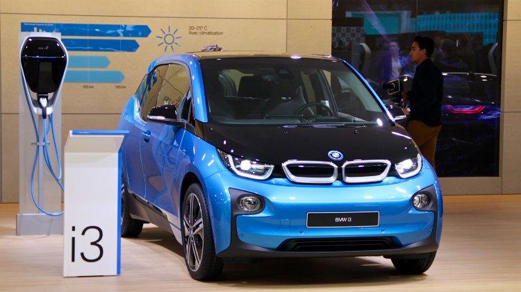 Blue BMW i3