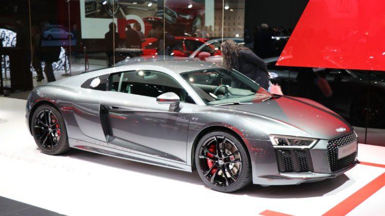 Audi R8 V12