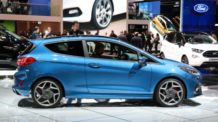 Blue Ford Fiesta Geneva