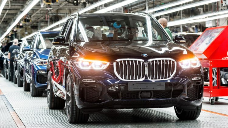 In 2019, BMW produced a record 411,620 vehicles in the USA