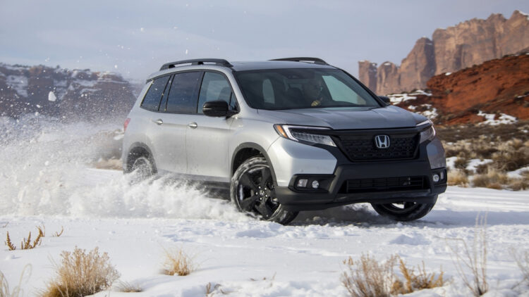 In 2020, Honda and Acura had lower car and truck sales in the USA. the CR-V and Civic were the top-selling models.
