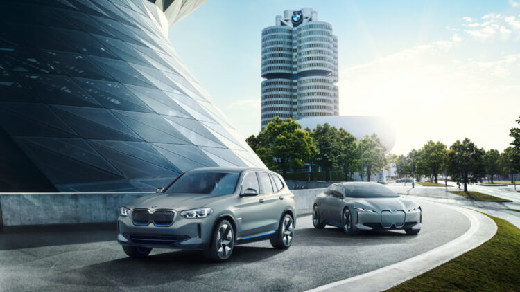 In 2020, global BMW Group car sales were 8% lower worldwide (BMW -7%, Mini -16% and Rolls-Royce -26%) but deliveries in China increased (+7%).
