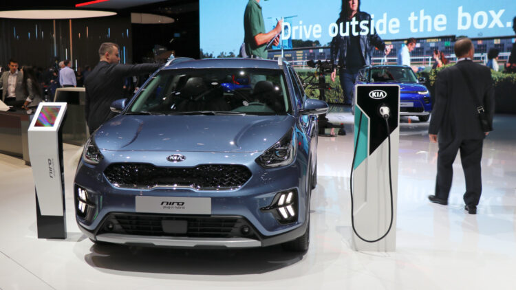 2021 (Q1): Battery-electric car and plug-in hybrid passenger car sales increased in almost every country in Europe but petrol remained the most popular fuel type for new cars.