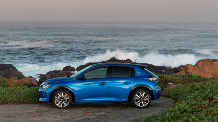 2021 (Q1): The French new car market expanded by 21% with Peugeot the best-selling car brand in France and the Peugeot 208 the top-selling model.